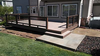 Building a Deck – The Advantages to Hiring a Contractor