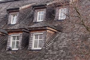 Metal Roofing vs. Traditional Shingles: Which is Right for You?