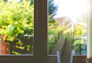 Vinyl vs. Fiberglass Windows: Which is Right for Me?